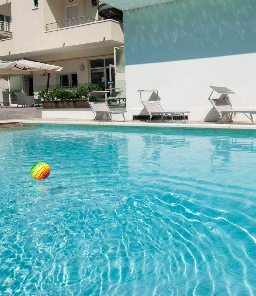 swimming pool-bellevue